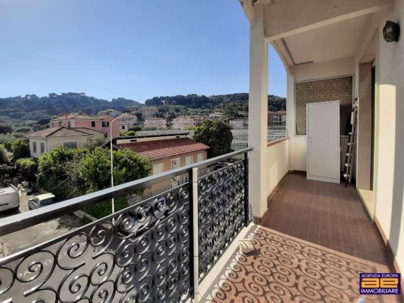 Appartamento a San Bartolomeo al Mare - Agenzia Europa di ...